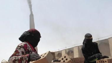 بين مخاطر العمل ولهيب حرارة أفران الطابوق نساء يرزحن تحت وطأة الفقر