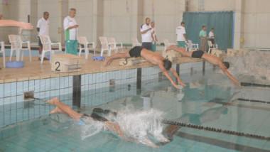 «الريشة الطائرة» يعتذر عن بطولة العرب.. و»السباحة» يلغي دورة الدراسات