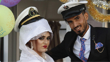 البصرة تستعيد الأعراس على القوارب في مياه النهر