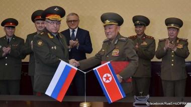 وفد عسكري روسي  يزور كوريا الشمالية
