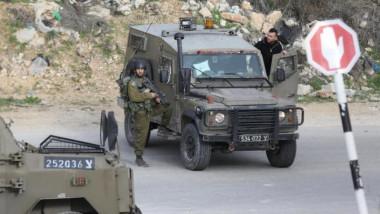 الجيش الإسرائيلي يتعقب منفّذي هجوم أدى الى مقتل مستوطن