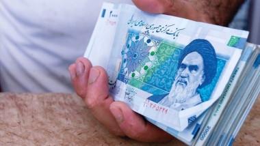 العملة الإيرانية تهبط أمام الدولار