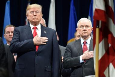 ترامب يحذّر: نظام الهجرة الأميركي يهدد الأمن القومي