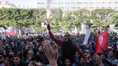 تونس تعتقل 41 شخصا  مع تجدد الاحتجاجات العنيفة