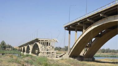 وزيرة الإعمار تفتتح جسر الموصل الرابع الرابط بين جانبي المدينة