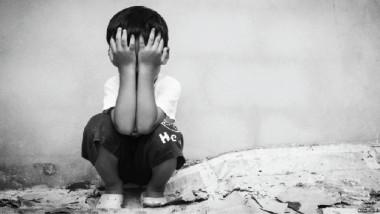لأول مرة في العراق.. خط ساخن لمكافحة العنف ضد الأطفال