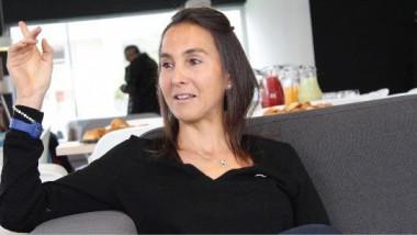 أسطورة التنس التونسي سليمة صفر تفتتح مركزها الرياضي في قمرت