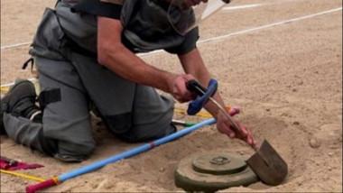 فريق من الأمم المتحدة والجهات الأمنية لإزالة الألغام في جانبي الموصل
