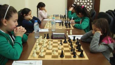 شطرنج العراق يحقق النتائج الايجابية.. وزيان يشيد بمهارات لاعبينا