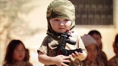 """""""العمل"""" تؤكد تعاملها مع أطفال الدواعش كضحايا للإرهاب"""