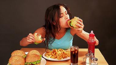 أيهما أفضل للتنحيف: تخفيف تناول الدهنيات أم السكريات؟