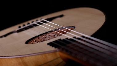العود والموسيقى  في العراق القديم