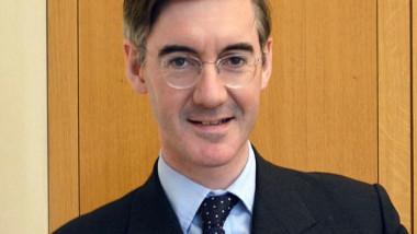 جاكوب موغ أبرز المرشحين لتولي رئاسة الوزراء البريطانية