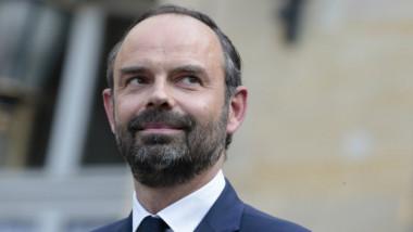 رئيس الوزراء الفرنسي يدعو  الإمارات الى الاستثمار في بلاده