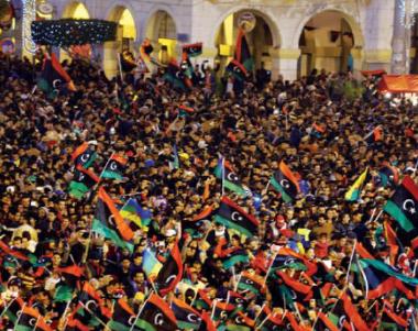 مناورة عسكرية نادرة لقوّات «الوفاق» قرب مصراتة الليبية