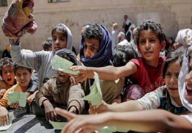 أطفال اليمن بين مطرقة الحرب وسندان الجوع