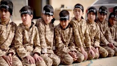 العراق يبحث مع فريق أممي منع إشراك الأطفال في النزاعات المسلحة