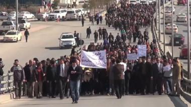 الملاكات الصحية تعلن اضرابا عاماً على خلفية إخضاع مرتباتهم مجددا للادخار الإجباري
