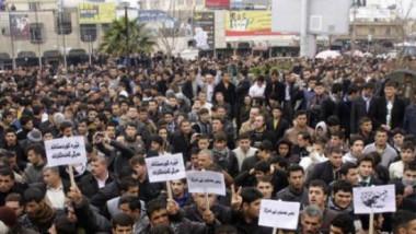 حكومة الإقليم تخفض الادخار الإجباري في الرواتب وتهدد المحتجين