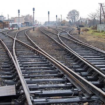 خط للسكة الحديد يربط العراق بالسعودية وابرام اتفاقيات لتطوير النقل بينهما