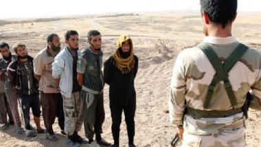 إقليم كردستان يسلم الحكومة الاتحادية المئات من عناصر داعش