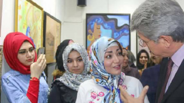 كرنفال بلون الوطن واحلام بلون الحب في معرض المرأة العراقية