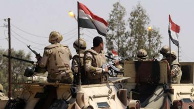 مقتل 10 متشددين و4 من قوات الجيش المصري في عملية سيناء