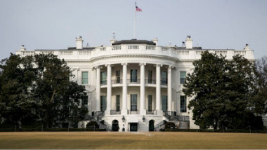 موظفو البيت الأبيض يخضعون لمزاج ترامب  بتوقيع تعهدات على «الصمت»