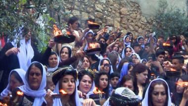 الإيزيديون يحتفلون بأعياد رأس السنة ويستذكرون مختطفاتهم