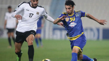 تجريبية الوطني امام فلسطين توقف دوري الكرة الممتاز
