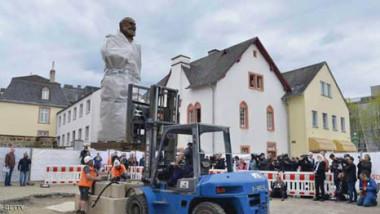 تمثال ضخم لماركس  في مسقط رأسه بألمانيا