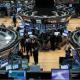 الأسواق العالمية تتأثر ببيانات مالية وتراجع شركات النفط