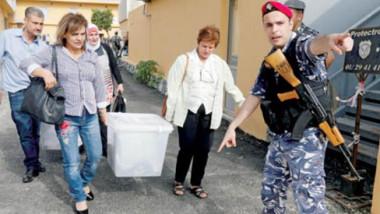 اللبنانيون يذهبون إلى صناديق الاقتراع بعد تسعة أعوام مِن المعاناة
