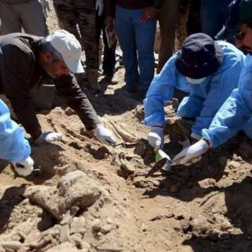 رفع 1153 رفاتاً من ١٥ مقبرة لضحايا سبايكر