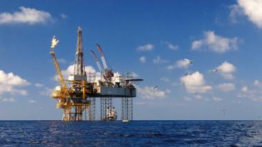 لبنان تبدأ التنقيب عن النفط والغاز قبالة سواحلها