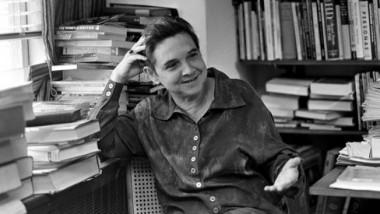 محاورة  قصائد للشاعرة الأميركية أدريان ريتش