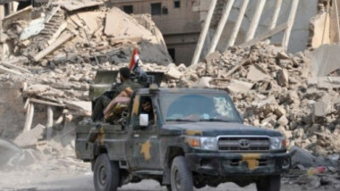 معارك دامية بين النظام وقوات سوريا الديمقراطية شرق البلاد