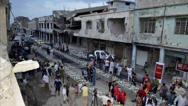 موصليون: فرق شاسع بين شهر رمضان الجاري عنه في أيام داعش السود
