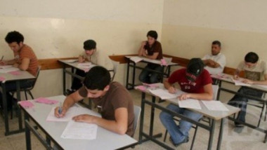 450 ألف طالب يؤدون الامتحانات الوزارية للمرحلة المتوسطة اليوم