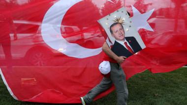 أردوغان يفوز بالانتخابات الرئاسية من الدورة الأولى بالغالبية المطلقة من الأصوات