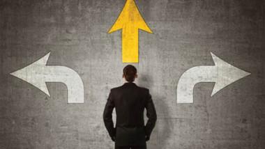 اتخاذ القرارات ما بين الصواب والخطأ