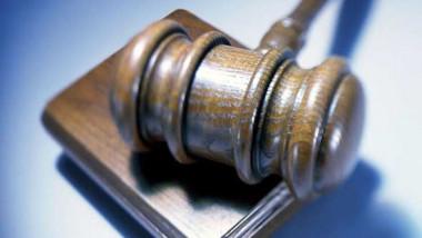 الأدلة التي تصلح لتجريم المتهم يجب أن تبنى على الجزم واليقين لا على الظن والتخمين