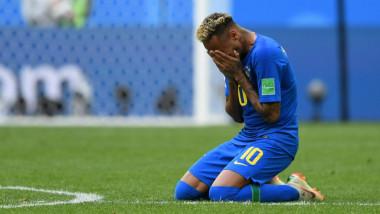 دموع نيمار تقابل بانتقادات وقلق في البرازيل