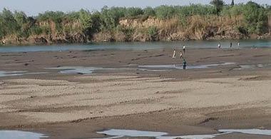"""سكان الأهوار يعيشون حالة """"رعب"""" بسبب انخفاض مناسيب المياه"""