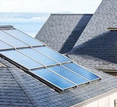 قرار يفرض تركيب ألواح طاقة شمسية في كاليفورنيا