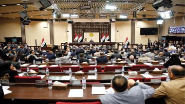 الكتل الكبيرة تصارع الزمن على رئاسة الوزراء والأكراد يعودون للمطالبة بـ17 % من الموازنة