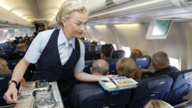 مضيفو الطيران: أكثر الناس عرضة لخطر الاصابة بجميع انواع السرطان