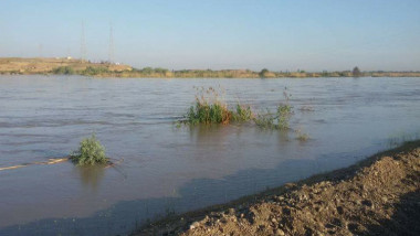 نصب مضخات عملاقة على بحيرة الثرثار لتحويل المياه الى نهر دجلة