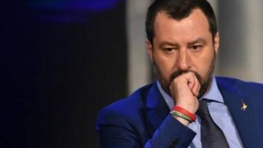 وزير الداخلية الإيطالي في ليبيا لبحث ملف الهجرة