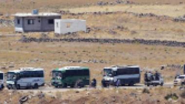 إجلاء مئات المقاتلين والمدنيين من القنيطرة إلى الشمال السوري